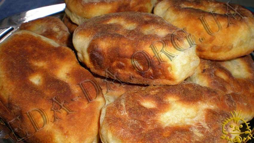 Рецепт салата с курицей и сухариками и грибами рецепт с фото в