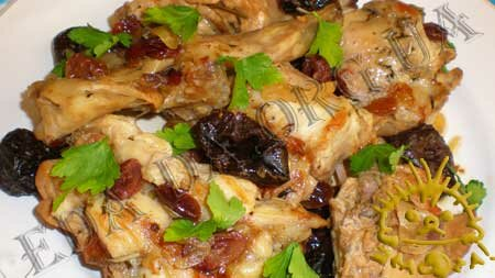 Кулинарные рецепты блюд с фото - Кролик, тушенный с черносливом и сушеной клюквой, пошаговое фото 8