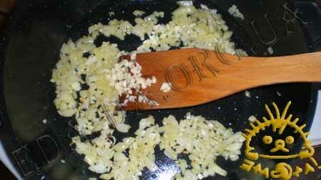 Кулинарные рецепты блюд с фото - Креветки, запеченные в томатном соусе с сыром Фета, пошаговое фото 1