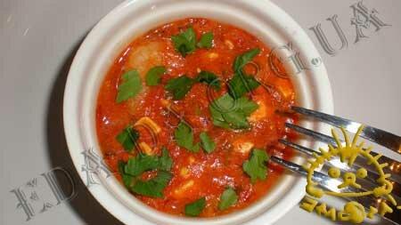 Кулинарные рецепты блюд с фото - Креветки, запеченные в томатном соусе с сыром Фета, пошаговое фото 7