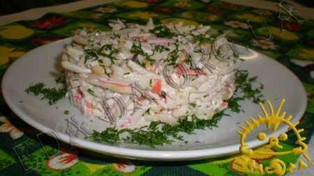 Кулинарные рецепты блюд с фото - Салат с грушей, крабовыми палочками и сельдереем. Нажать для увеличения.