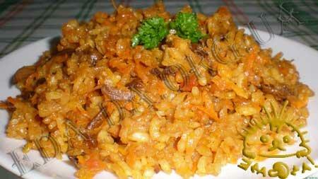 Кулинарные рецепты блюд с фото - Плов с сушеными белыми грибами. Нажать для увеличения.