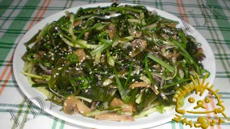 Кулинарные рецепты блюд с фото - Салат с морской капустой, огурцами и грибами, пошаговое фото 6