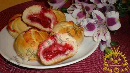 Кулинарные рецепты блюд с фото - Постные мини-булочки с вишней, пошаговое фото 13