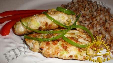 Кулинарные рецепты блюд с фото - Котлеты из индюшачьего фарша с кабачком. Нажать для увеличения.