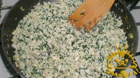 Кулинарные рецепты блюд с фото - Вареники со шпинатом и курицей, пошаговое фото 4