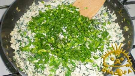 Кулинарные рецепты блюд с фото - Вареники со шпинатом и курицей, пошаговое фото 5