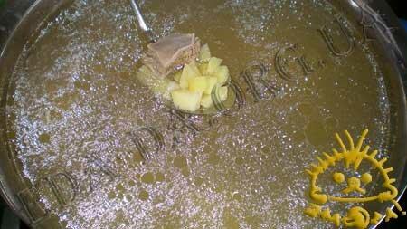 Кулинарные рецепты блюд с фото - Зеленый борщ со щавелем, пошаговое фото 2