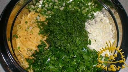 Кулинарные рецепты с фото - Пирог из слоеного теста с сыром и зеленью, Фото 1