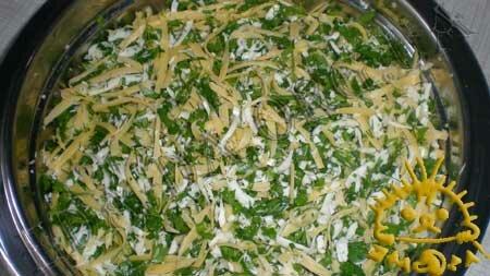 Кулинарные рецепты с фото - Пирог из слоеного теста с сыром и зеленью, Фото 2
