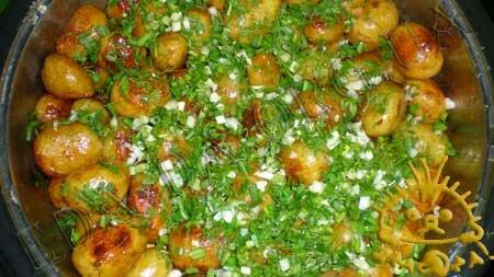 Кулинарный мастер класс - Молодой картофель, жареный с медом, шаг 4