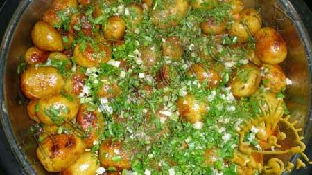 Кулинарный мастер класс - Молодой картофель, жареный с медом, шаг 5