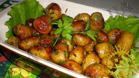 Кулинарный мастер класс - Молодой картофель, жареный с медом, шаг 6