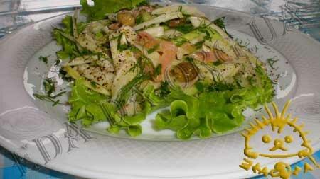 Кулинарные рецепты блюд с фото - Салат с фенхелем и семгой. Нажать для увеличения.