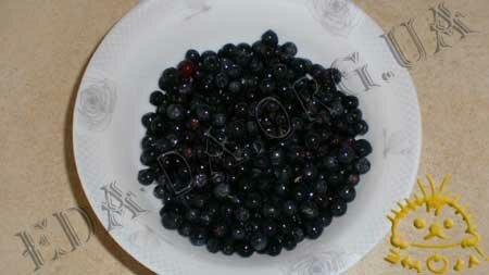 Кулинарные рецепты блюд с фото - Сырники с черникой, пошаговое фото 5