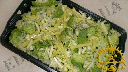 Кулинарные рецепты блюд с фото - Овощная запеканка под соусом Бешамель, пошаговое фото 4