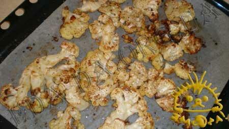 Кулинарные рецепты блюд с фото - Цветная капуста, запеченная в духовке, с сухариками и лимонным соусом, пошаговое фото 6.