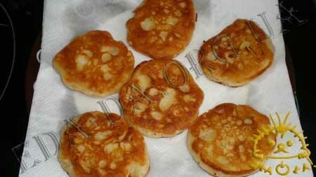 Кулинарные рецепты блюд с фото - Оладьи с яблоками, пошаговое фото 7