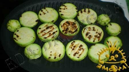 Кулинарные рецепты с фото - 'Сэндвичи' из кабачков и баклажанов с помидорами, Фото 3