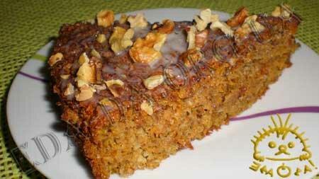 Кулинарный фото рецепт блюда - Морковный пирог с овсяными хлопьями и грецкими орехами. Нажать для увеличения.