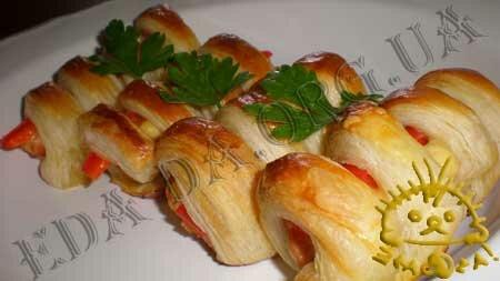 Кулинарный фото рецепт блюда - Сосиски в тесте. Нажать для увеличения.