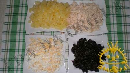 Кулинарные рецепты с фото - Салат с ананасом и черносливом, Фото 1