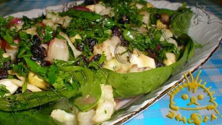 Кулинарные рецепты блюд с фото - Теплый салат с цветной капустой. Нажать для увеличения.