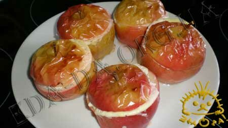 Кулинарные рецепты блюд с фото - Печеные яблоки с творогом, пошаговое фото 7