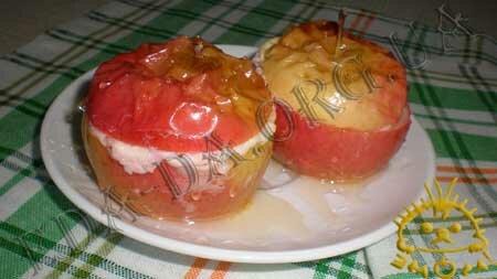 Кулинарные рецепты блюд с фото - Печеные яблоки с творогом. Нажать для увеличения.