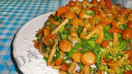 Кулинарные рецепты блюд с фото - Салат Грибная поляна. Нажать для увеличения.