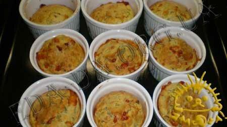 Кулинарные рецепты с фото - Кексы с копченой курицей, сыром и зеленью, Фото 8