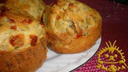 Кулинарные рецепты с фото - Кексы с копченой курицей, сыром и зеленью. Нажать для увеличения.