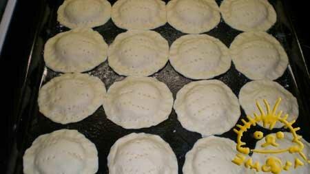 Мини-куличи с творожной начинкой – кулинарный рецепт