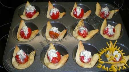 Кулинарные рецепты с фото - Слоечки с фаршированными помидорами черри, Фото 9