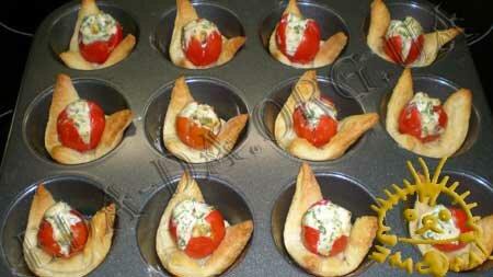 Кулинарные рецепты с фото - Слоечки с фаршированными помидорами черри, Фото 10