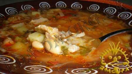 Кулинарные рецепты с фото - Постный борщ с консервированной рыбой и фасолью. Нажать для увеличения.