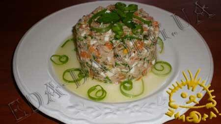 Кулинарные рецепты блюд с фото - Салат Праздничный (<em>с печенью трески</em>), пошаговое фото 4