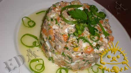 Кулинарные рецепты блюд с фото - Салат Праздничный (<em>с печенью трески</em>). Нажать для увеличения.