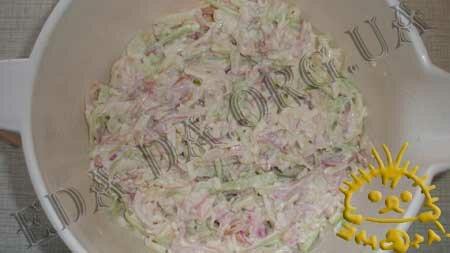 Кулинарные рецепты блюд с фото - Салат с курицей, огурцом и яблоком, Фото 5