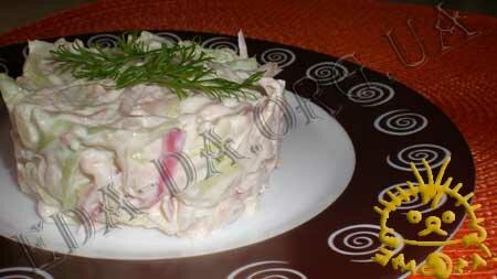 Кулинарные рецепты блюд с фото - Салат с курицей, огурцом и яблоком. Нажать для увеличения.